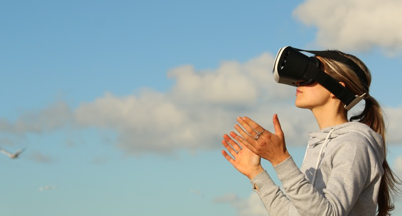 Exploring the User Experience of Virtual Reality
